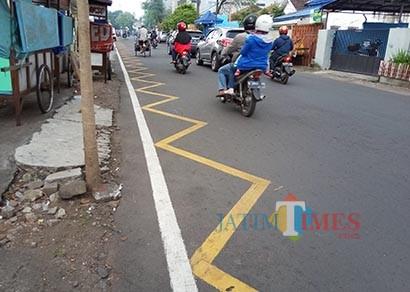 Bingung Makna Marka Kuning Bergerigi di Ruas-ruas Jalan Kota Malang? Ini Dia Penjelasan Dishub Kota Malang