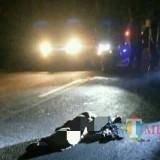 Kondisi kakek setelah alami kecelakaan di jalan umum Jatimulyo. / Foto : Istimewa / Tulungagung TIMES