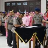 Serah terima jabatan Kepala Polrestabes Surabaya di Polda Jatim