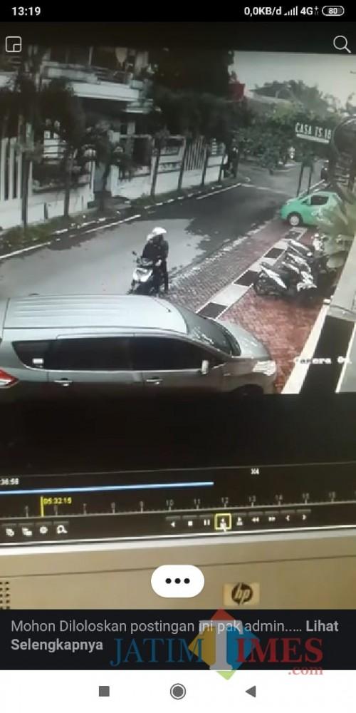 Dua pelaku yang melakukan pencurian motor di kos dan homestay di Jalan Tidar Sakti 16. (repro FB)