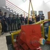 Mahasiswa Teknil Elektro Unisba Blitar saat studi banding ke UMM Malang