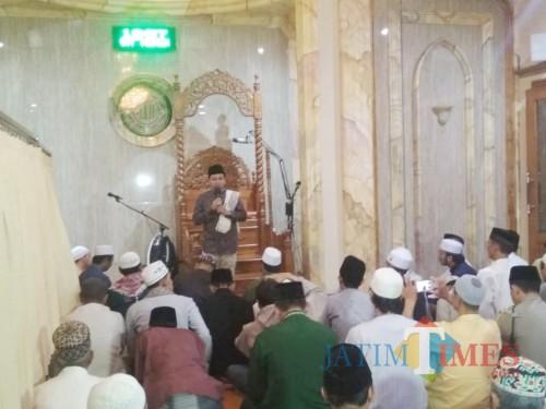Wali Kota Malang Sutiaji Saaf Memberikan Sambutan Di Masjid Muritsul Jannah, Jl Kebalen Wetan (Foto: Arifina Cahyanti Firdausi)