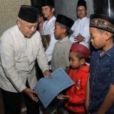 Bantuan yang disampaikan Wabup Malang Sanusi dalam acara Safari Ramadan di Ngantang. (Humas)