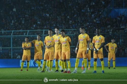 Pemain Arema FC saat perkenalan jersey (official Arema FC)