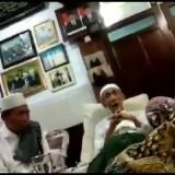 Keponakan Mbah Moen Eyel-eyelan dengan Mbah Moen Soal Kemenangan Jokowi, Lihat Videonya