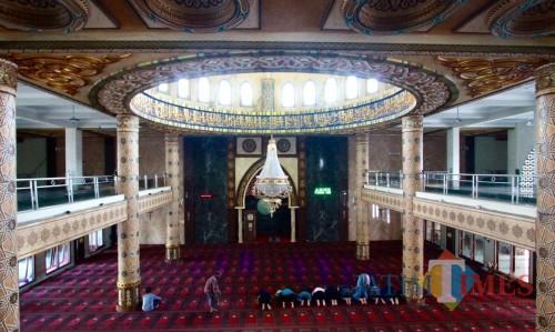 Suasana di Masjid An-Nur, Kelurahan Sisir, Kecamatan Batu. (Foto: Irsya Richa/BatuTIMES)