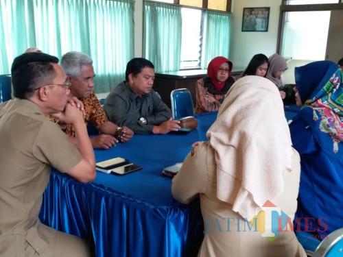 Pertemuan antara Komisi B DPRD Kota Malang bersama jajaran PD RPH Kota Malang. (Foto: Dokumen MalangTIMES)