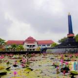 Lanscape keindahan Taman Alun-Alun Bundar Kota Malang (Yogi Iqbal/MalangTIMES).