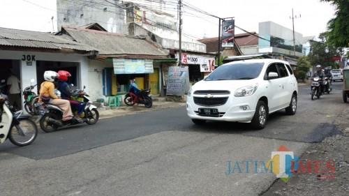 Ruas Jl. Ir Rais yang usai ditambal beberapa saat lalu (Pipit Anggraeni/MalangTIMES)