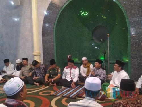 Wali Kota Malang Sutiaji Saat Mengisi Safari Ramadan di Masjid Roisiyah, (Arifina Cahyanti Firdausi/MalangTIMES)