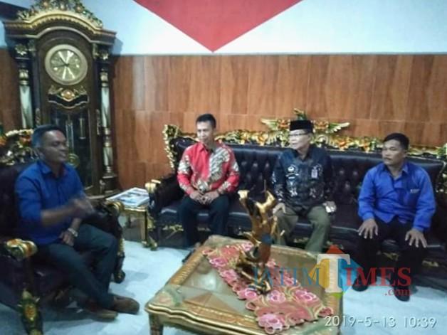 Ketua DPC BPAN LAI Banyuwangi Alif HW saat disambut Ketum DPP LAI dikantor JL Raya Pintu II TMII Jakarta Timur, Senin (13/5/19)