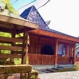 Uniknya Masjid Gedhe Padang Mahsyar Kota Batu, Dibuat dari Bahan Kayu Jati Tanpa Paku