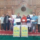 BMH dan YBM PLN UP 3 Malang Bagi - Bagi Gerobak Berkah Kepada Kaum Duafa