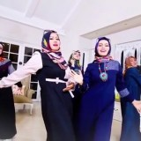 Cuplikan parodi Blackpink versi Ramadan ala emak-emak. (Foto: youtube De Kolonial)