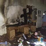 Kondisi rumah warga sesaat setelah hangus dilahap si jago merah, Kecamatan Donomulyo (Foto : Camat Donomulyo for MalangTIMES)