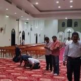Umat Islam, Kristen, Hindu Berbuka Bersama, Hingga Salat di Gereja