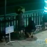 Aksi Maling Bocah di Blitar, Nyolong Kotak Amal Masjid Terekam CCTV