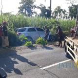 Kondisi mobil yang terlibat kecelakaan maut saat dievakuasi menggunakan mobil derek. (Foto : Humas Polres Malang for MalangTIMES)