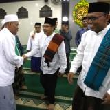 Wali Kota Malang, Sutiaji saat safari ramadan di Masjid Ainul Yaqin Jl Tata Surya Tlogomas (Arifina Cahyanti Firdausi/MalangTIMES)