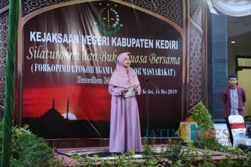 Bupati Kediri Hj Haryanti Sutrisno saat memberikan sambutan. (eko Arif s /JatimTimes)