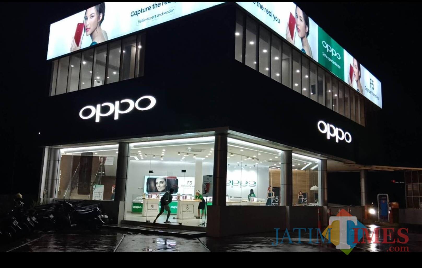 Kantor pemasaran dan service center Oppo Malang di Jalan Soekarno-Hatta, Kota Malang. (Dok. MalangTIMES)