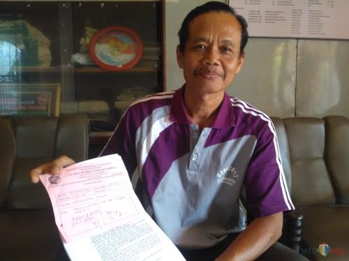 Prawito, pihak yang mengurus zakat fitrah di UPT Dispendikpora Kecamatan Kedungwaru / Foto : Anang Basso / Tulungagung TIMES