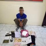 Abdul Rohim tersangka sekaligus barang bukti hasil pencurian saat diamankan pihak kepolisian, Kecamatan Wonosari (Foto : Polsek Wonosari for MalangTIMES)