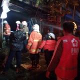 Benkel Las Terbakar, Jilatan Api Sambar Toko Kaca di Kota Batu