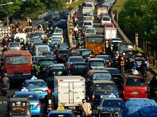 Mudik Lebaran yang kerap menimbulkan penumpukan kendaraan di jalan. raya (Ist)