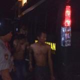 Terduga pelaku pengeroyokan remaja asal Panggul, sampai di Polres Trenggalek (foto:Ganez Radisa)
