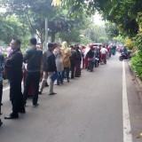 Antrean pendaftaran PPDB online yang memanjang di SMPN 21 Malang. (Foto: @EkoIswahyudi10 via Twitter)