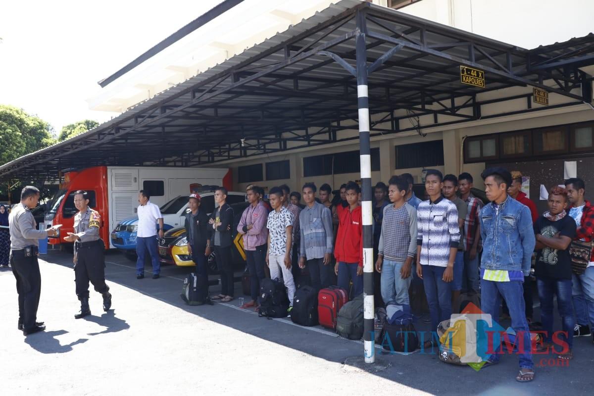 Para pemuda asal NTT bersiap untuk dipulangkan