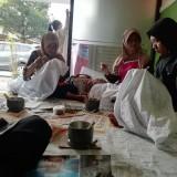 Para peserta pelatihan membatik Inklusif yang diselenggarakan oleh Disnaker Kabupaten Malang (Nana)