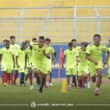 Pemain Arema FC saat menjalani latihan. (official Arema FC)