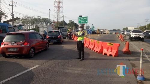 Kemacetan lalu lintas yang terjadi di sebuah kawasan di Kabupaten Malang. (Foto : Dokumen MalangTIMES)