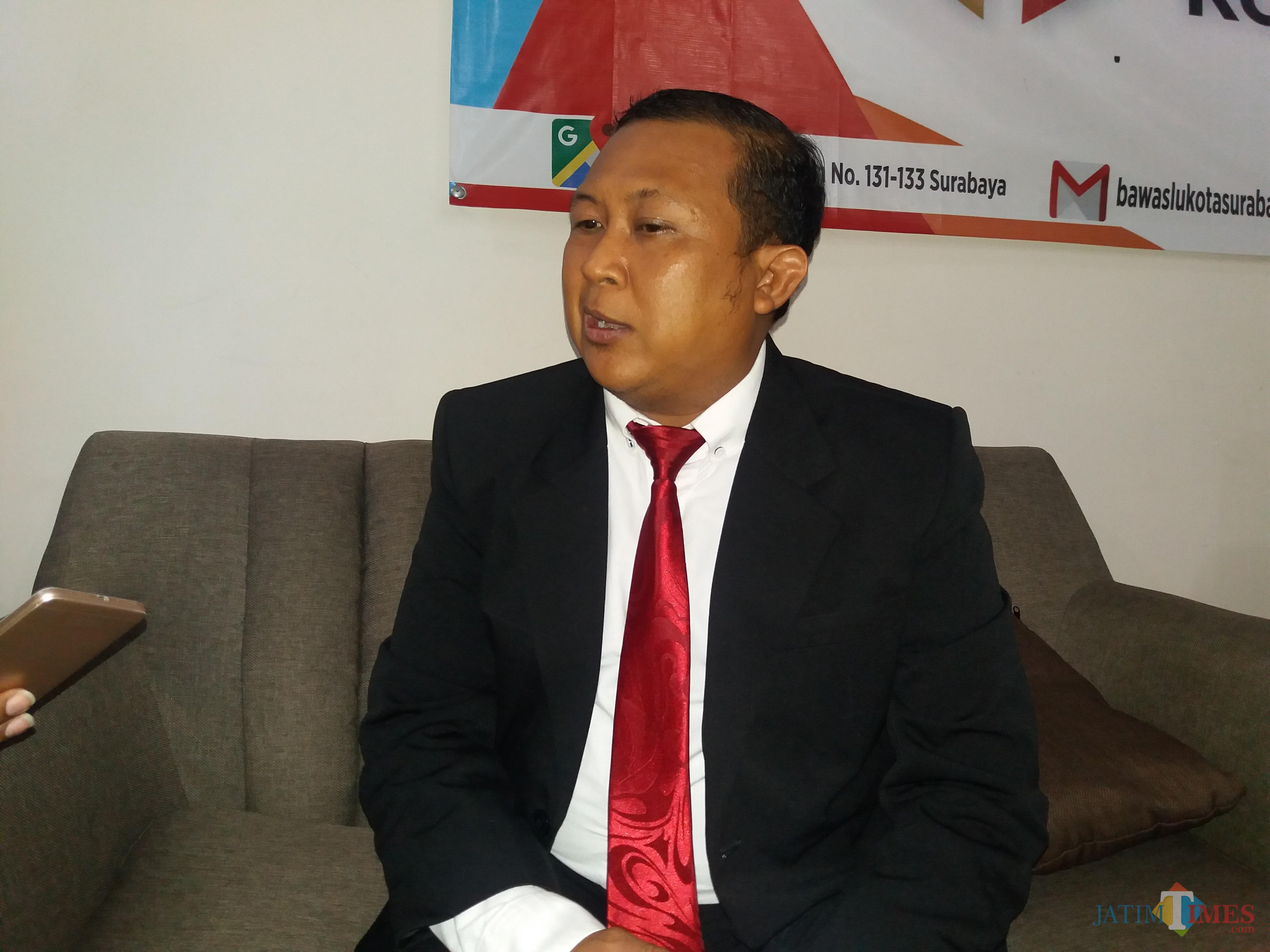 Ketua Bawaslu Surabaya Hadi Margo.