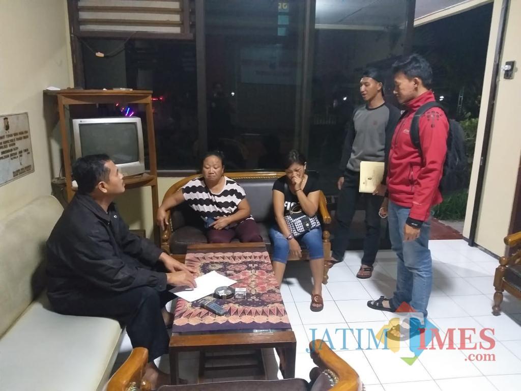 Mucikari dan PSK yang buka praktik di bekas lokalisais Ngreco diamankan anggota Polres Blitar.