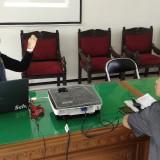 Suasana konsultasi dalam kegiatan Klinik Usaha Mikro di Kota Malang. (Foto: Nurlayla Ratri/MalangTIMES)