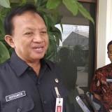 Plt Kepala Disnaker Kota Malang Supranoto saat ditemui usai sidak THR di PR Gandum. (Foto: Nurlayla Ratri/MalangTIMES)
