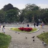 Intensitas Kunjungan ke Taman Kota Malang Diprediksi Meningkat, Disperkim Imbau Masyarakat Sadar Buang Sampah pada Tempatnya