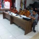 Anggota komisioner Bawaslu Surabaya dalam sidang DKPP.