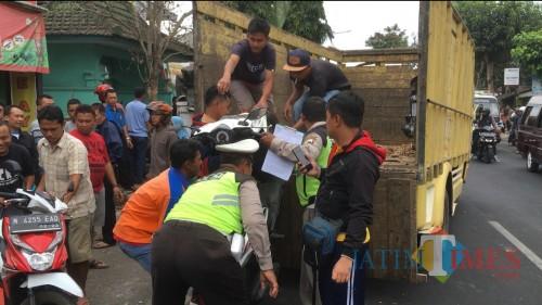 Ilustrasi kendaraan yang dievakuasi paska terlibat kecelakaan, Kabupaten Malang (Foto : Ashaq Lupito / MalangTIMES)