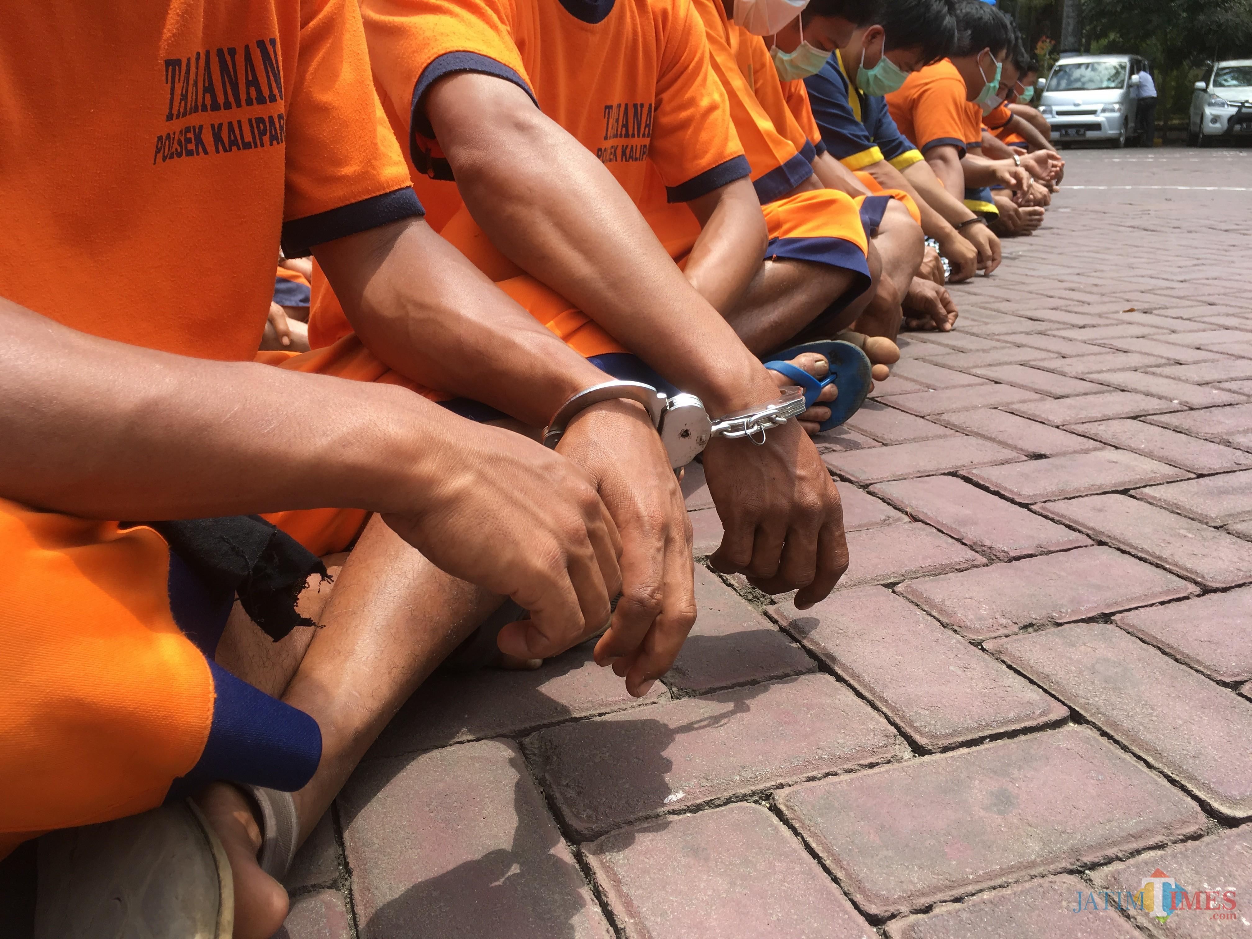 Ilustrasi tersangka yang terlibat aksi kriminal saat diamankan Polres Malang, Kabupaten Malang (Foto : Ashaq Lupito / MalangTIMES)