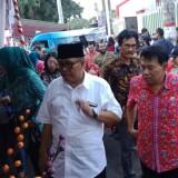 Plt Wali Kota Blitar Santoso membuka Pasar Rakyat Ramadan, Kamis (23/5/2019) sore