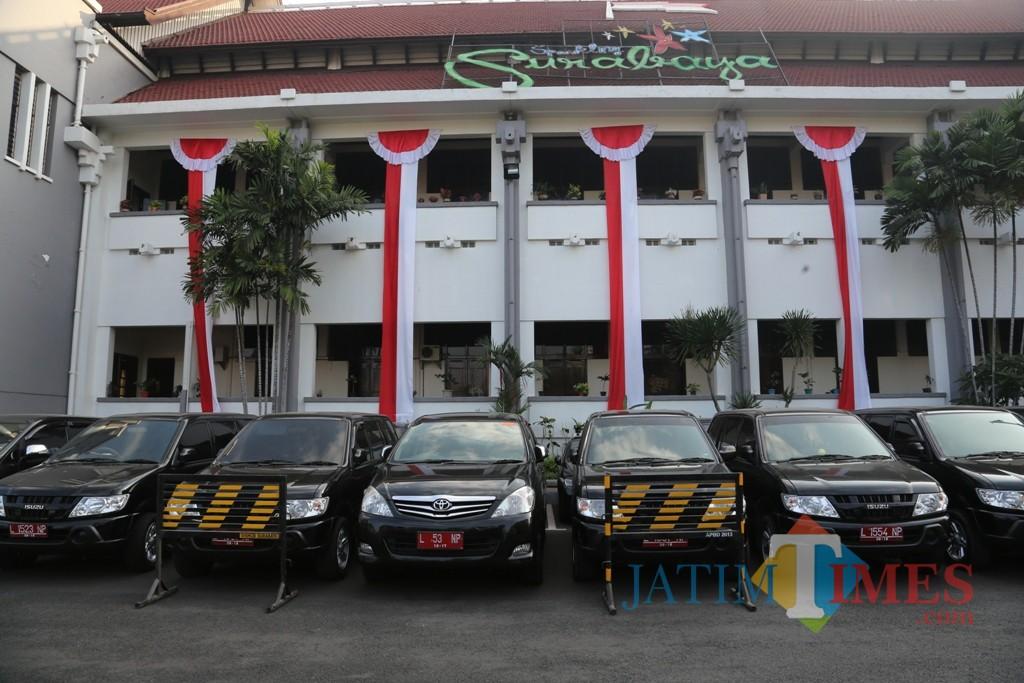 Mobil dinas di lingkungan Pemkot Surabaya.