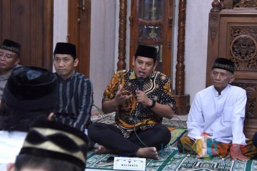 Walikota Kediri Abdullah Abu Bakar saat memberikan sambutan dalam acara safari Ramadan. (eko Arif s /JatimTimes)