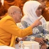 Gubernur Khofifah ketika menghadiri upacara Tri Suci Waisak.