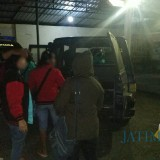 Tiga orang PSK saat diamankan jajaran kepolisian Polsek Karangploso, Kabupaten Malang (Foto : Humas Polres Malang for MalangTIMES)