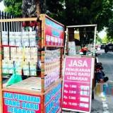 Lapak penukaran uang baru di Jl Mastrip  Kota Blitar.