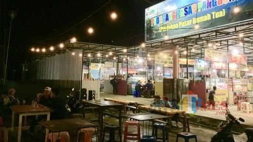 Pasar Panggung berada di areaSelatan GOR Ganesha, Alun-Alun Kota Batu, Kecamatan Batu. (Foto: Irsya Richa/MalangTIMES)